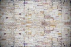 Mur de briques en pierre blanc et brun Photographie stock libre de droits