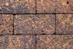 Mur de briques rouge ou vieux brun foncé images stock