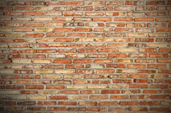 Mur de briques rugueux Photos libres de droits