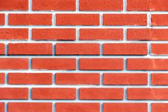 Mur de briques de terre cuite avec la teinte rose Fond lumineux image libre de droits