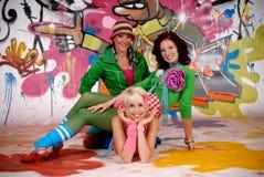 Mur de graffiti d'amusement d'amis Photo libre de droits