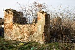 Mur de l'entrepôt détruit Photos stock