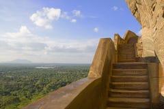 Mur de miroir de Sigiriya et vue, Sri Lanka photographie stock libre de droits