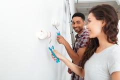 Mur de peinture d'homme et de femme photos stock