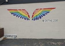Mur de Selfie avec des ailes à la barre de zoo et au gril liquides, Dallas, le Texas photos libres de droits