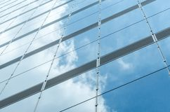 Mur de verre bleu de skycrapper Fond abstrait urbain photo libre de droits