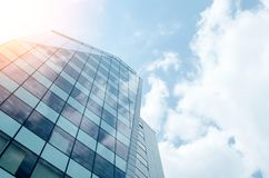 Mur de verre bleu de skycrapper Fond abstrait urbain photographie stock libre de droits