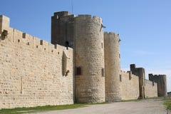 Mur de ville antique dans Aigues-Mortes, France du sud photo libre de droits
