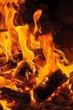 Mur des flammes Image verticale de plan rapproché photo libre de droits