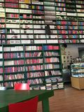 Mur des livres photos stock