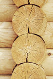 Mur des maisons en bois des faisceaux collés Images stock