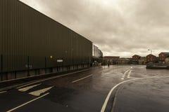 Mur divisant les voisinages protestants et catholiques à Belfast photo stock