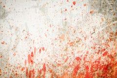 Mur en béton avec des éclaboussures de sang Photographie stock