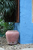 Mur en béton bleu Photo libre de droits