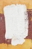 Mur en béton de ciment avec la bâche blanche de peinture Images libres de droits