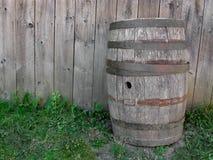 Mur en bois de baril et en bois. Photographie stock libre de droits