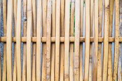 Mur en bois de tissage photographie stock libre de droits