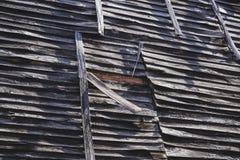 Mur en bois de vieille, antique maison de brique images libres de droits