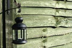 Mur en bois, lampe accrochante Image libre de droits