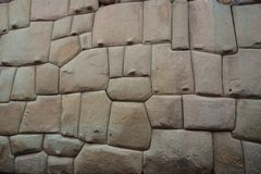 Mur en pierre d'Inca antique dans la ville de Cusco, Pérou photo stock