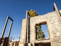 Mur en pierre de vieux moulin Photographie stock libre de droits