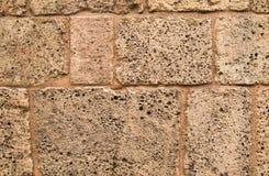 Mur en pierre droit de château médiéval Images stock
