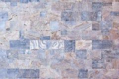 Mur en pierre se composant de différentes pierres avec le modèle différent images stock