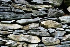 Mur en pierre traditionnel des alpes européennes Photographie stock