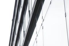 Mur en verre de l'immeuble de bureaux Photographie stock libre de droits