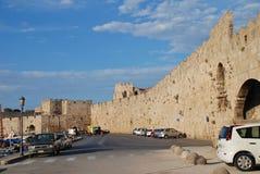 Mur enrichi médiéval, Rhodes image stock