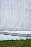 Mur et escaliers carrelés images libres de droits