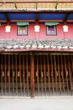 Mur extérieur de temple bouddhiste tibétain photographie stock libre de droits