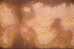 Mur ondulé rouillé en métal avec la texture photos stock