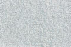Mur peint blanc avec le plâtre décoratif image libre de droits