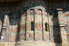 Mur peint vieux par monastère Sucevita de fresque Photos stock