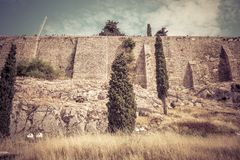 Mur puissant de la colline d'Acropole à Athènes, Grèce images stock