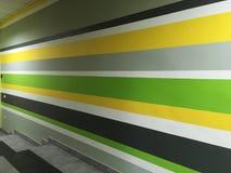 Mur rayé coloré Gris vert, jaune, noir, blanc photo libre de droits