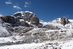 mur rocheux du Népal de l'Himalaya de glacier Images stock
