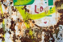 Mur rouillé avec amour de label Images stock