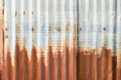Mur rouillé de zinc Photographie stock libre de droits
