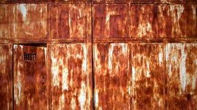 Mur rouillé en métal photographie stock libre de droits
