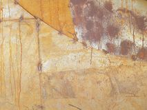 Mur rouillé en métal, avec des traces de la soudure en métal Image libre de droits