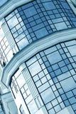 Mur transparent en verre bleu Photographie stock libre de droits