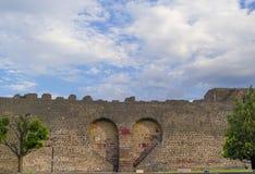 Mura di cinta storici del tacchino di Diyarbakir fotografie stock