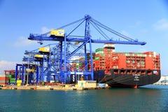 MURABBA Al σκαφών εμπορευματοκιβωτίων που ελλιμενίζεται στο τερματικό εμπορευματοκιβωτίων Στοκ εικόνες με δικαίωμα ελεύθερης χρήσης