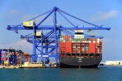 MURABBA Al σκαφών εμπορευματοκιβωτίων που ελλιμενίζεται στο τερματικό εμπορευματοκιβωτίων Στοκ Φωτογραφίες