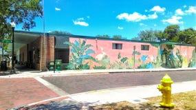 Mural en la tercera avenida fotos de archivo