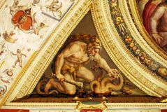 Murale antico, l'immagine di Ercole che uccide il serpente a tre teste Fotografia Stock Libera da Diritti