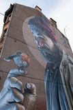 Murale moderno di arte della via del mungo della st di giorno a Glasgow immagini stock libere da diritti