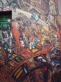 Murale variopinto di arte della via circa le idee futuristiche e nucleari di punk del vapore, fotografia stock libera da diritti